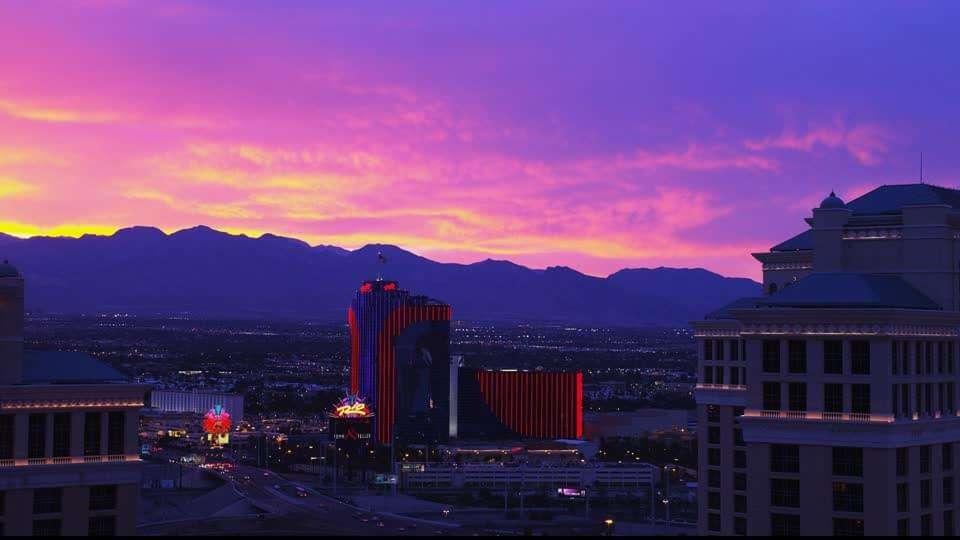 Experience A Romantic Vegas Getaway Best Romantic Vacations